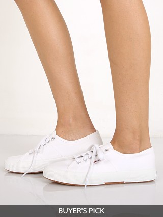 Model in white Superga Cotu Classic Sneaker