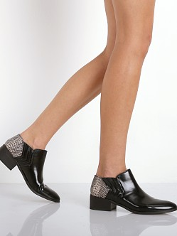 Dolce Vita Verily Booties Black/Snake