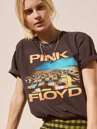 Daydreamer Pink Floyd World Tour Weekend Tee Vintage Black