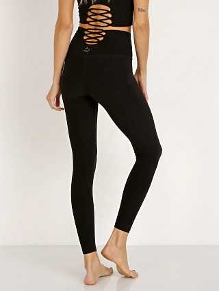 You may also like: Beyond Yoga Across The Straps High Waisted Midi Legging Darkest