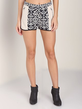 Complete the look: Line & Dot Jacquard Shorts Black