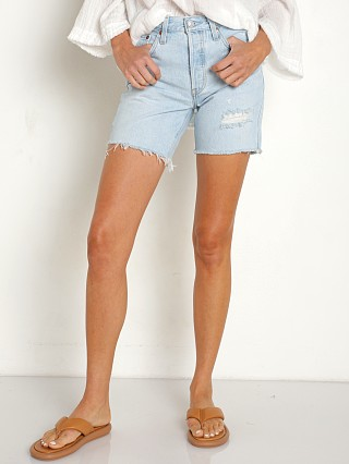 Model in luxor focus Levi's 501 Mid Thigh Short
