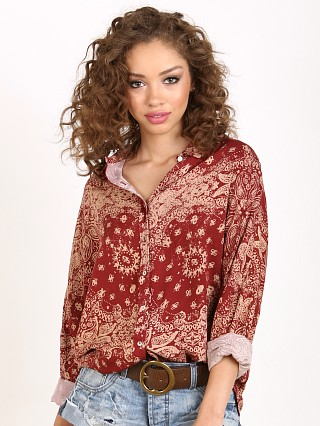 You may also like: Knot Sisters Costa Rica Blouse Burgundy Bandana