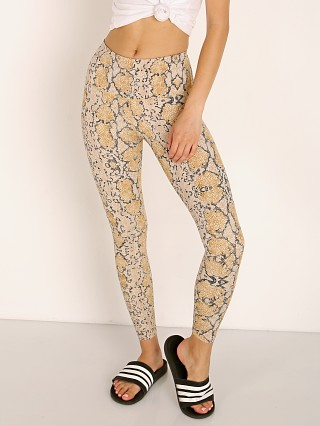 You may also like: Varley Estrella Letelux Legging Desert Viper