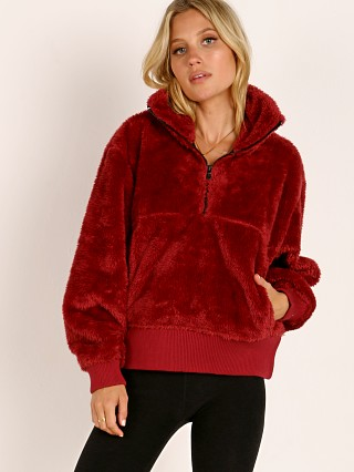 Varley Duray Revive Pullover Jacket Red Pear