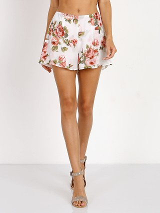 Model in rosie posie Show Me Your Mumu Sawyer Short