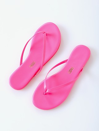 You may also like: Tkees Lily Flip Flop Neon Pink