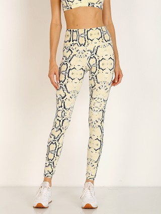 You may also like: Varley Duncan Lolux Legging Yellow Snake