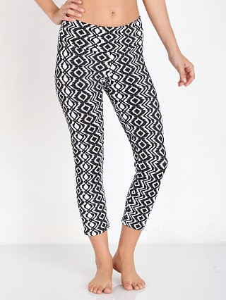 You may also like: Onzie Capri Pant Diamond