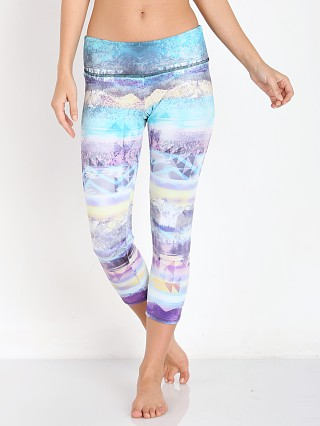 Onzie Graphic Capri Journey