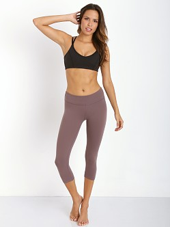 Beyond Yoga Capri Legging Legging Iron
