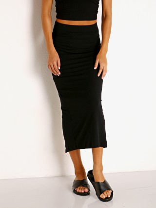 Model in black Stillwater The Classic Rib Skirt