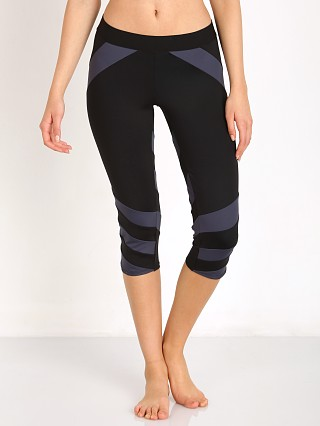 Complete the look: LNA Clothing Stripe Active Crop Black/Grey
