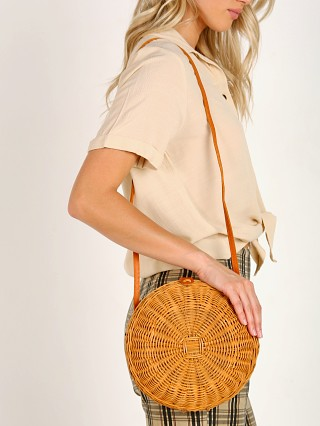 Model in natural Faithfull the Brand Carlos Bag