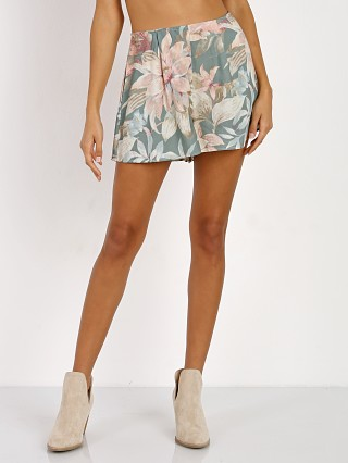 Complete the look: Show Me Your Mumu Sawyer Short Petal Pines Breeze