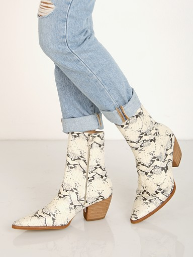 Model in black/white print Matisse Caty Boot Snake