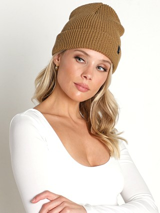 Model in coyote brown Brixton Heist Beanie