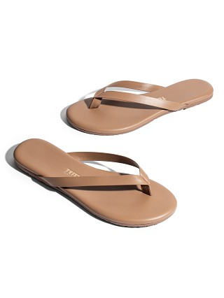 Model in beach bum Tkees The Boyfriend Flip Flop