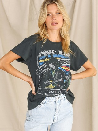 Model in vintage black Daydreamer Bob Dylan Live in Concert Tour Tee