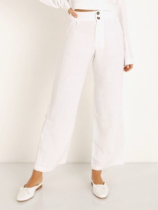 Model in white Stillwater All Summer Pant