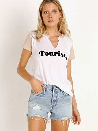 Complete the look: WILDFOX Tourista Woody Tee Clean White/Maderas Tan