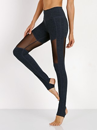 Complete the look: Varley Flow Hillcrest Sirrup Tight Midnight Blue
