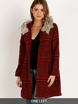 Model in cherry red BB Dakota Play It Cool Houndstooth Jacket