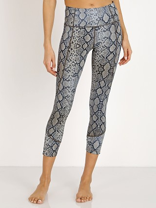 Complete the look: Varley Kensington Legging Dune Python