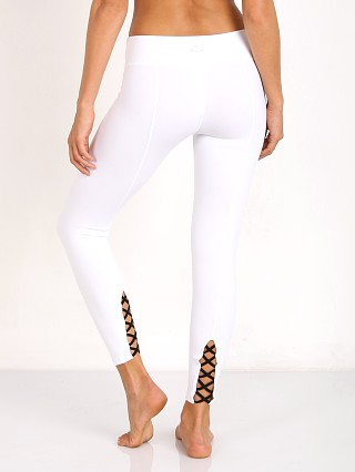 Beyond Yoga Back Cross Legging White