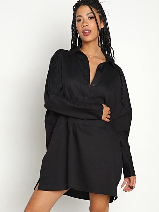 Model in black Stillwater The Shirting Mini