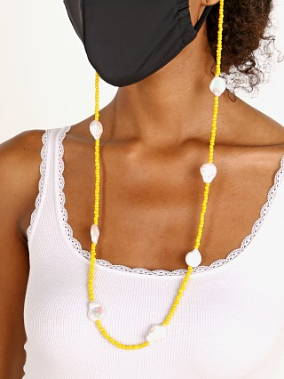 Golden Days LA Coin Pearl w/Mustard Mask Catcher/Sunglass Chain
