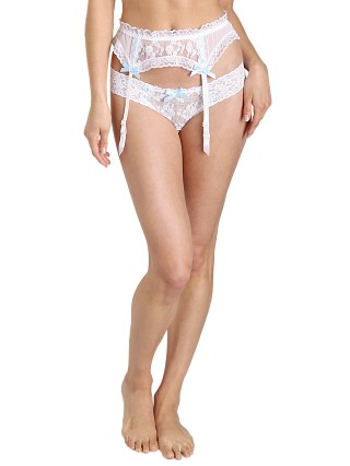 You may also like: Hanky Panky Madeline Garter Belt White