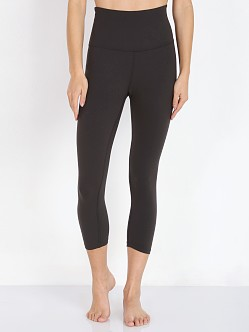 Beyond Yoga Walk and Talk High Waist Capri Black