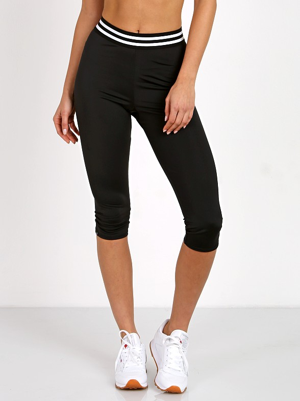 Onzie Elastic Band Capri Black