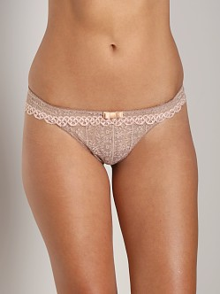 Huit French Kiss Thong Ballerina