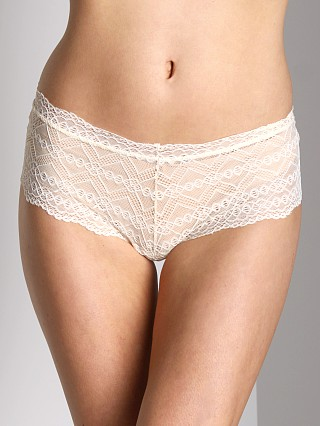 Model in ivory Fleur't Lolita Lace Boy Short