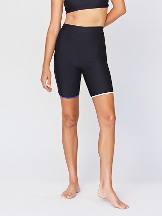 Model in jet Acacia Fox Biker Short