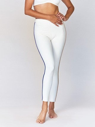 Model in ivory Acacia Elle Legging