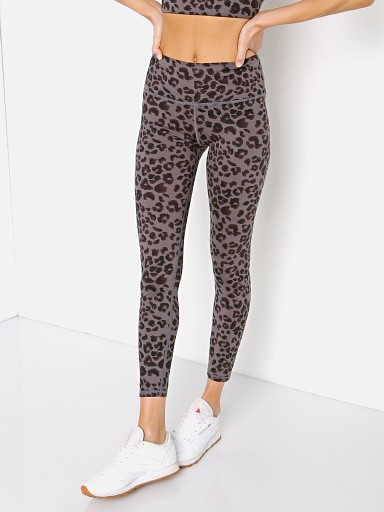 Model in iron cheetah Varley Century Legging