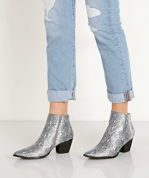 Matisse Astoria Boot Grey
