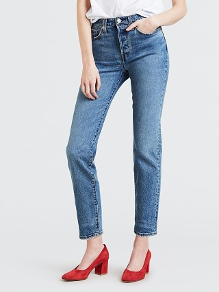 Model in these dreams Levi's Wedgie Icon Fit Jeans