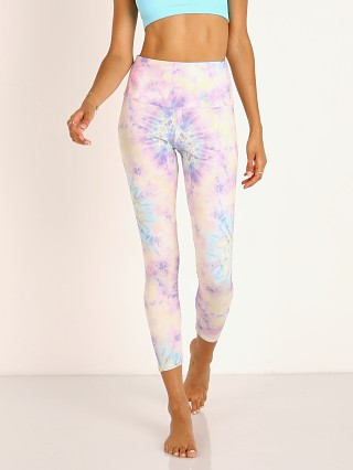 You may also like: Onzie High Basic Midi Legging Neon Tie Dye