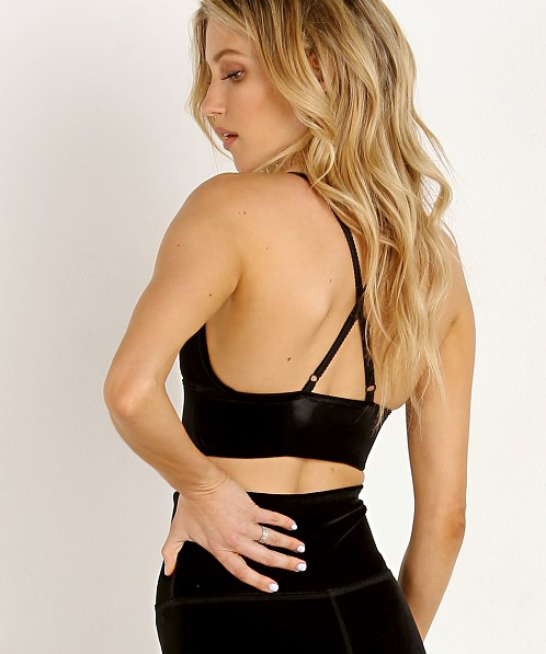 Beyond Yoga Velvet Motion Lavish Sports Bra Black