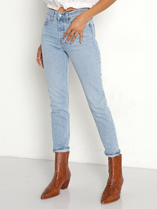 Model in tango light Levi's Wedgie Icon Fit Jeans