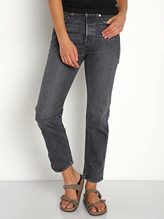Model in break a leg Levi's Wedgie Straight Jeans
