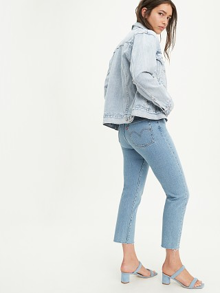 Model in tango hustle Levi's Wedgie Straight Jeans