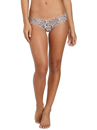 You may also like: Hanky Panky Low Rise Thong Leopard Nouveau
