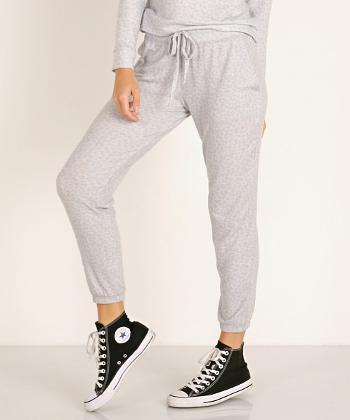 Beyond Yoga Living Easy Sweatpants Gray Leopard