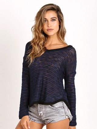 Splendid V-Neck Shirttail Top Navy