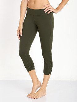 Beyond Yoga Essential Gathered Capri Legging Winter Green